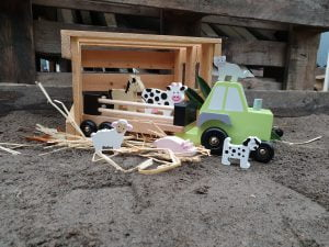 Traktorius su ūkio gyvūnais6