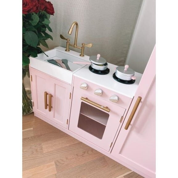 Virtuvė Delux rausva3