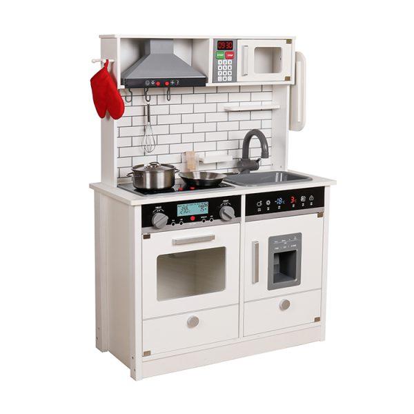 Virtuvė su garsais, apšvietimu