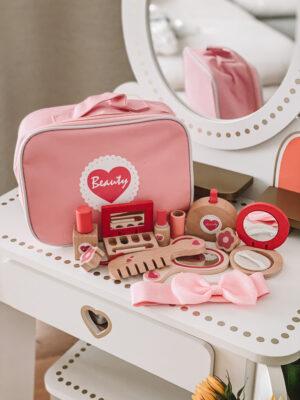 Kosmetinis lagaminas Širdelė38